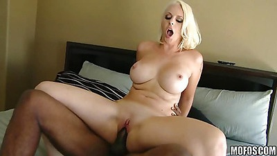 aunty big boobs hd photo nude