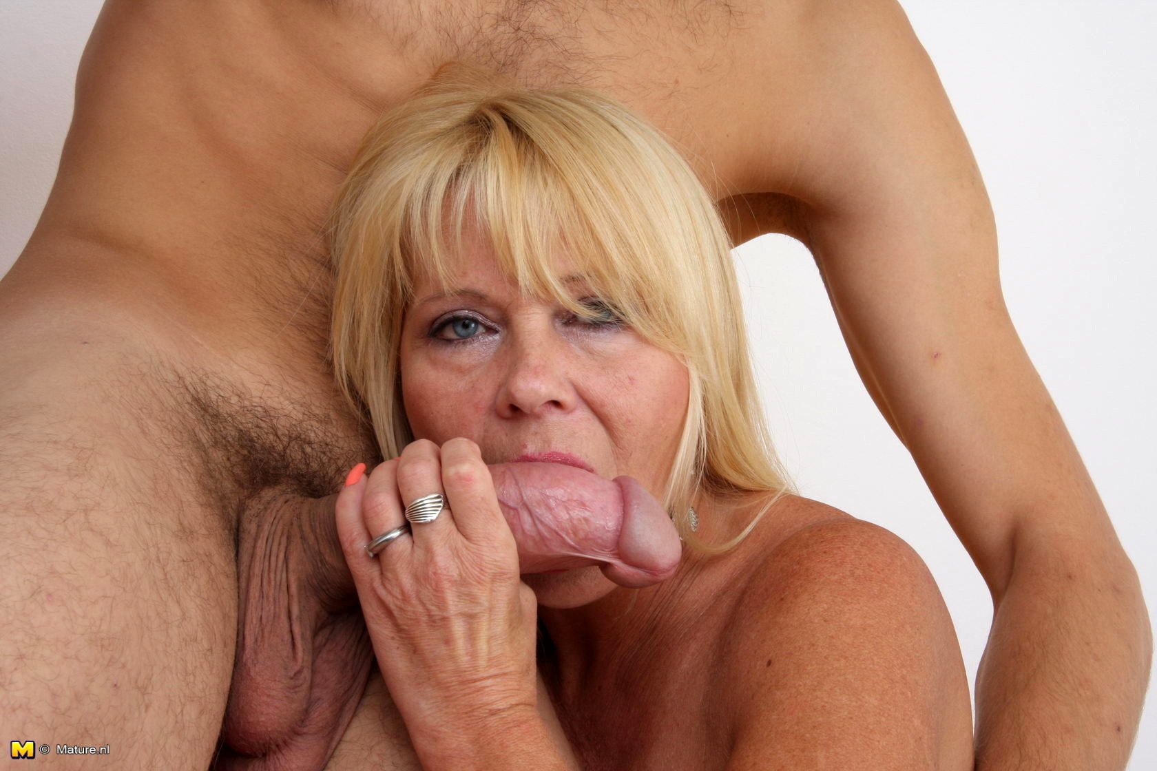 mom shows her hairy pussy