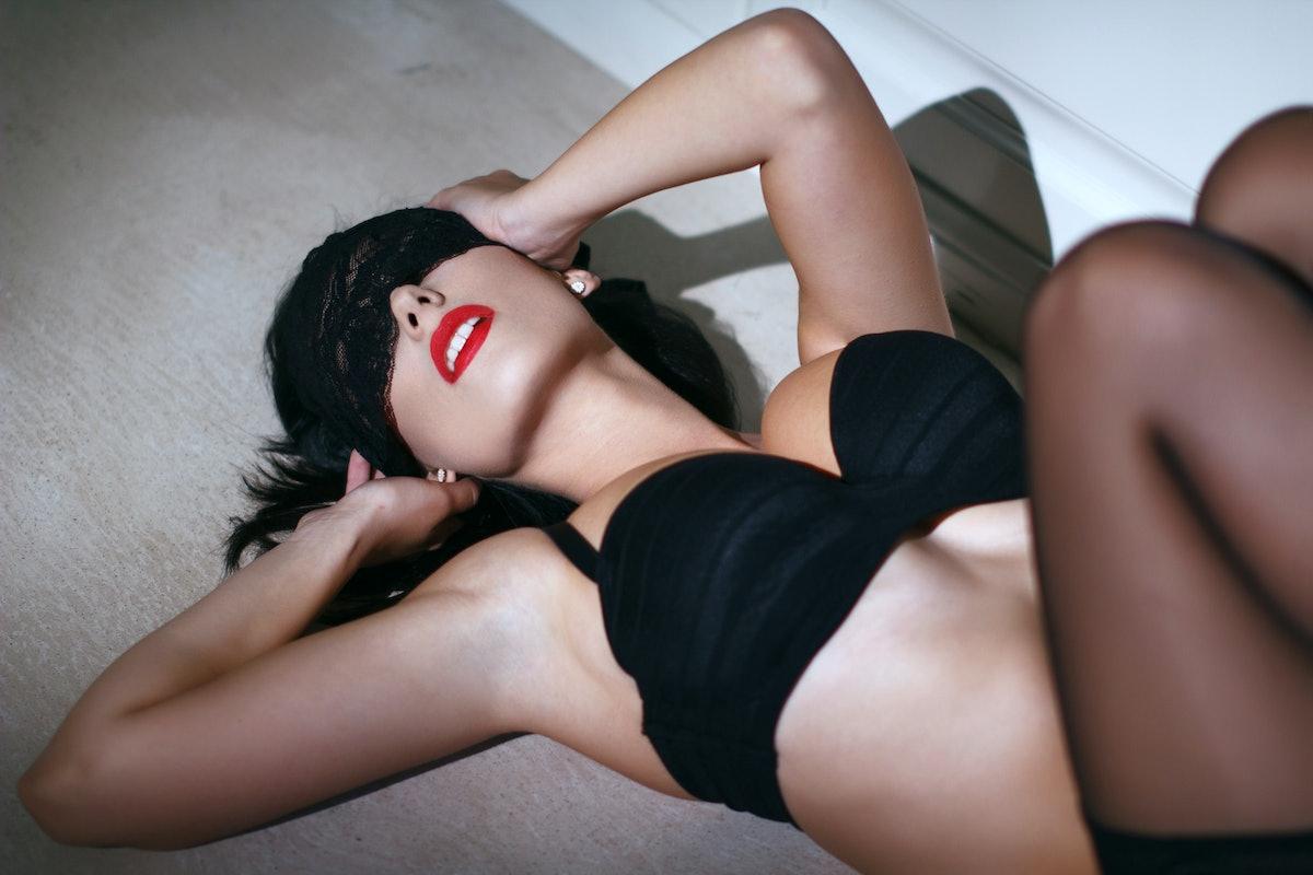 bdsm submissive women slaves